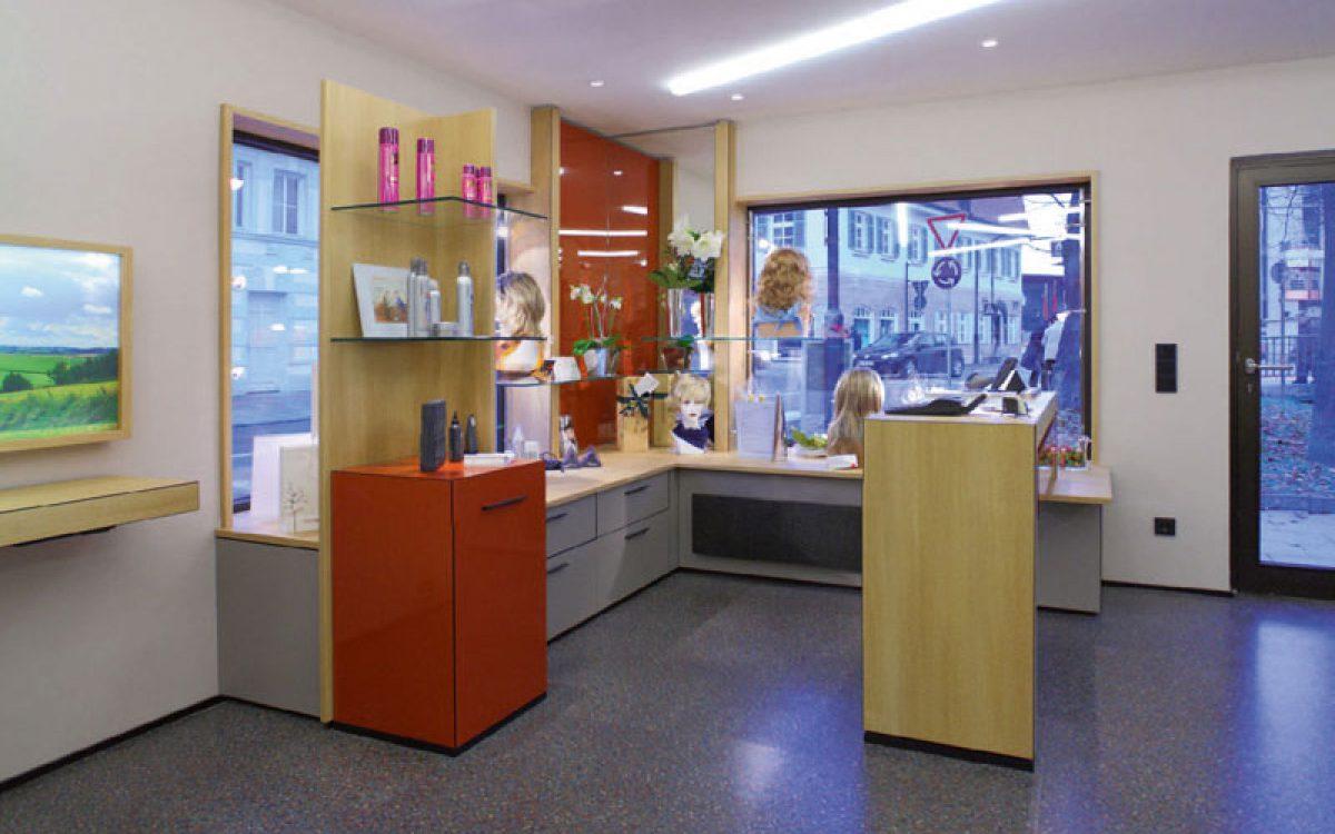 Innenarchitektur Sanierung: Friseursalon Empfang