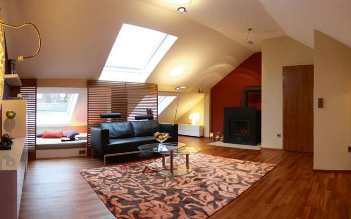 Innenarchitektur Umbau Dachgeschoss: Wohnraum gesamt mit Kamin