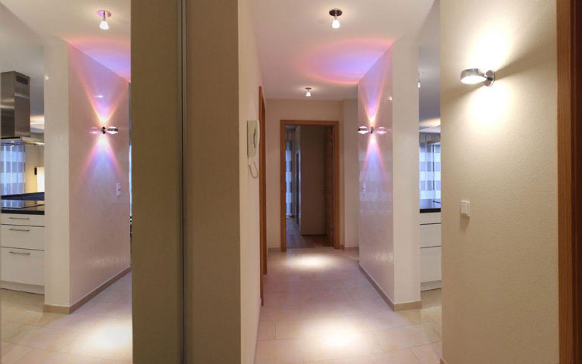 Innenarchitektur Privatwohnung: Entrée mit Occhio-Leuchte