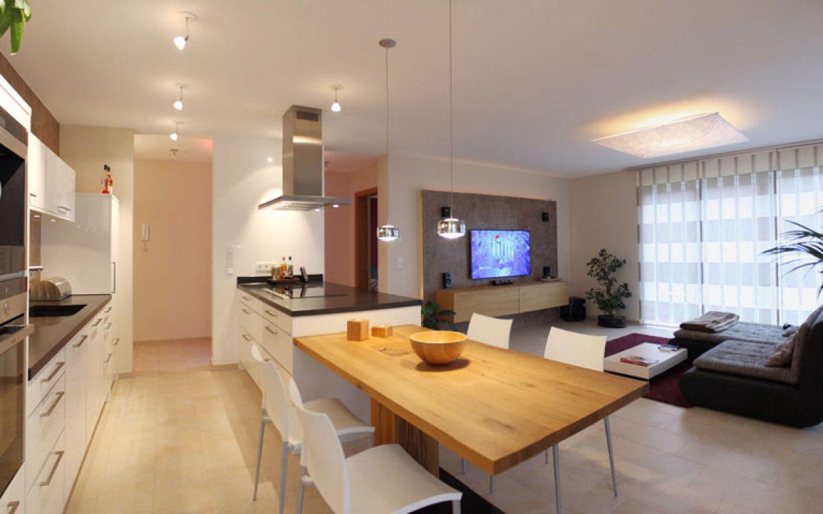 Innenarchitektur Privatwohnung: Essbereich in offener Küche