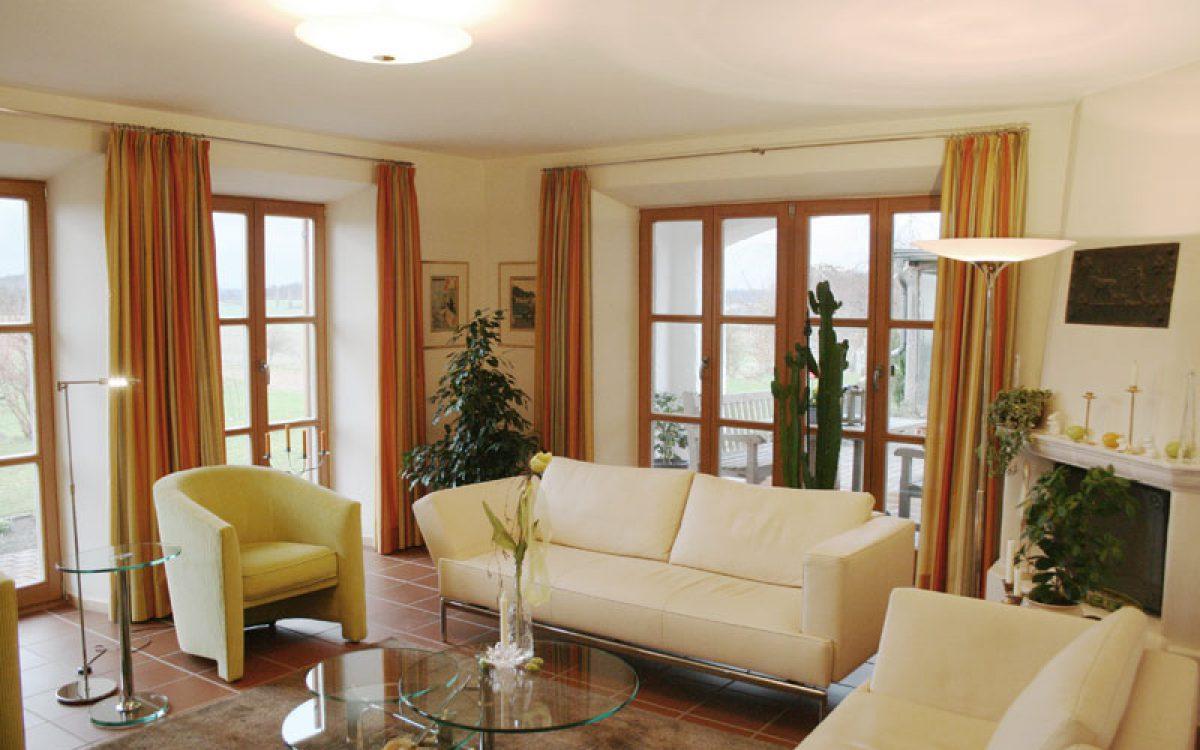 Renovierung Wohnzimmer: Polstermöbel Und Couchtisch