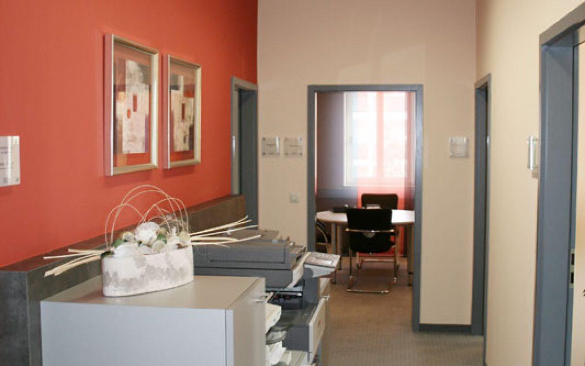 Renovierung Büroräume: Flur, Farbkonzept
