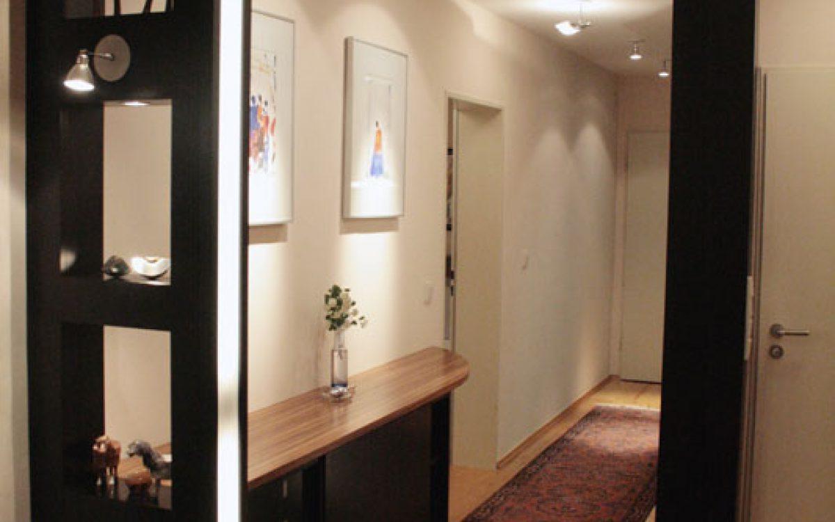 einrichtung eines schmalen wohnungsflurs einrichtungsberatung. Black Bedroom Furniture Sets. Home Design Ideas