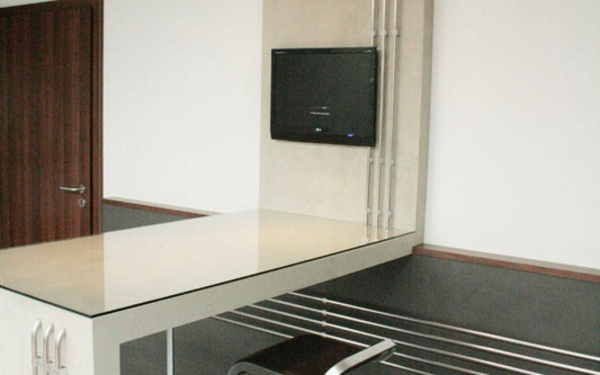 Innenarchitektur Empfangsareal: Gestaltung mit Wasserrohr