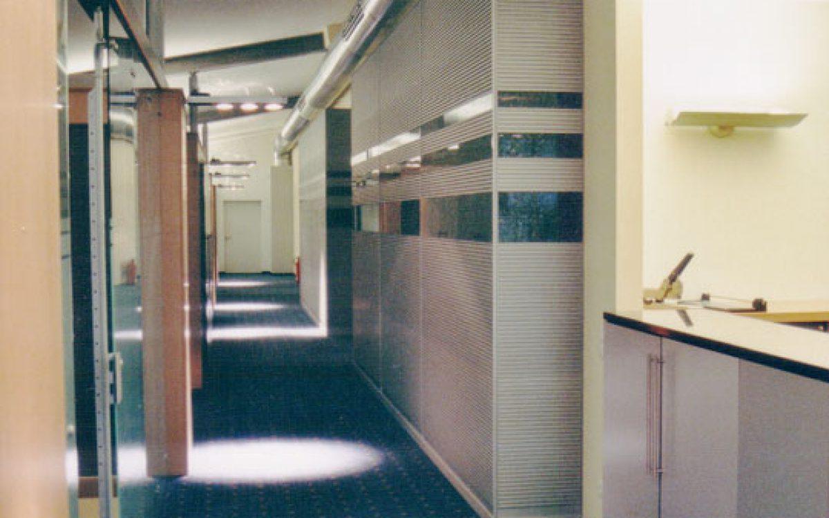 Innenarchitektur Geschäftsräume: Lichtkonzept für Büroflur