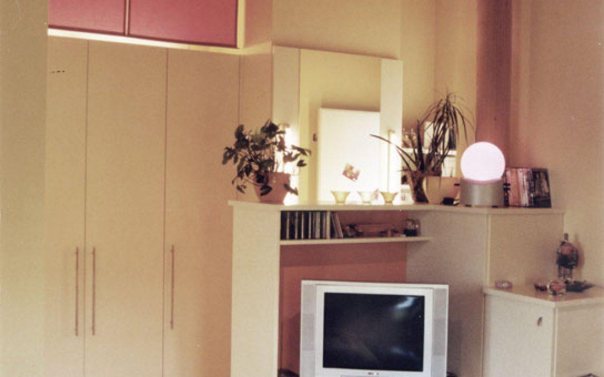 Mädchenzimmer: Raumteiler und Deckenabhängung
