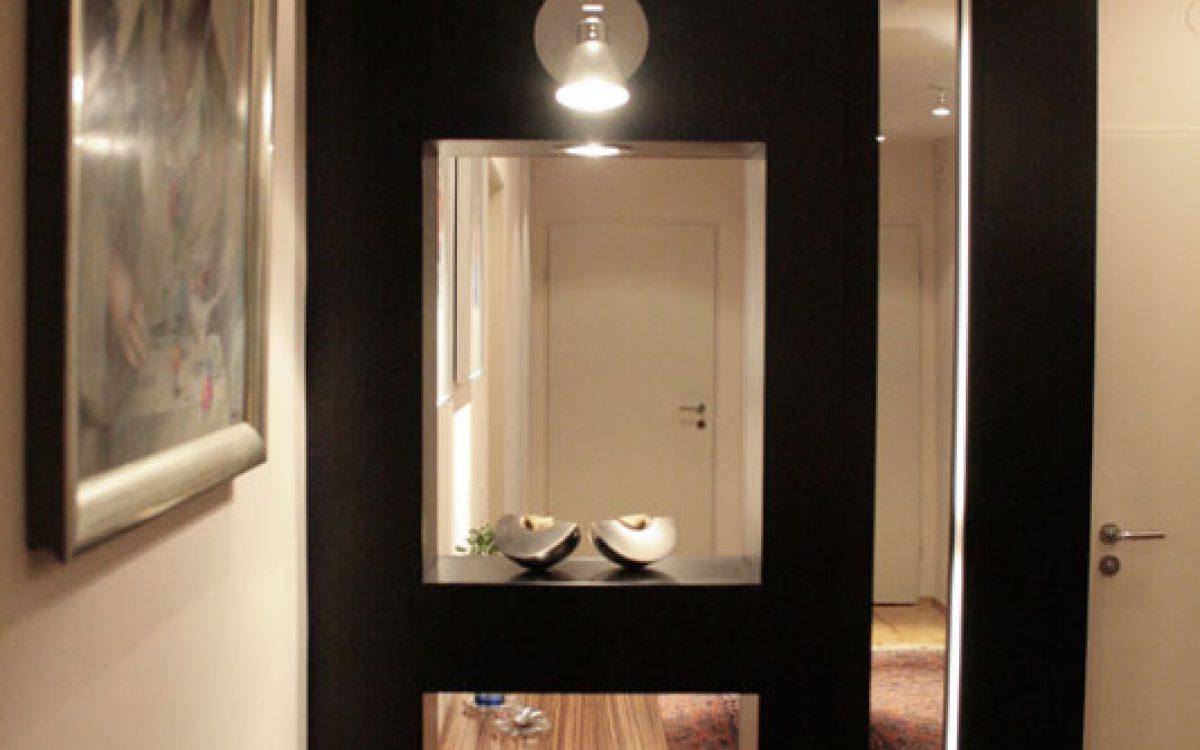 Einrichtung Flur: Raumteiler, Spiegel