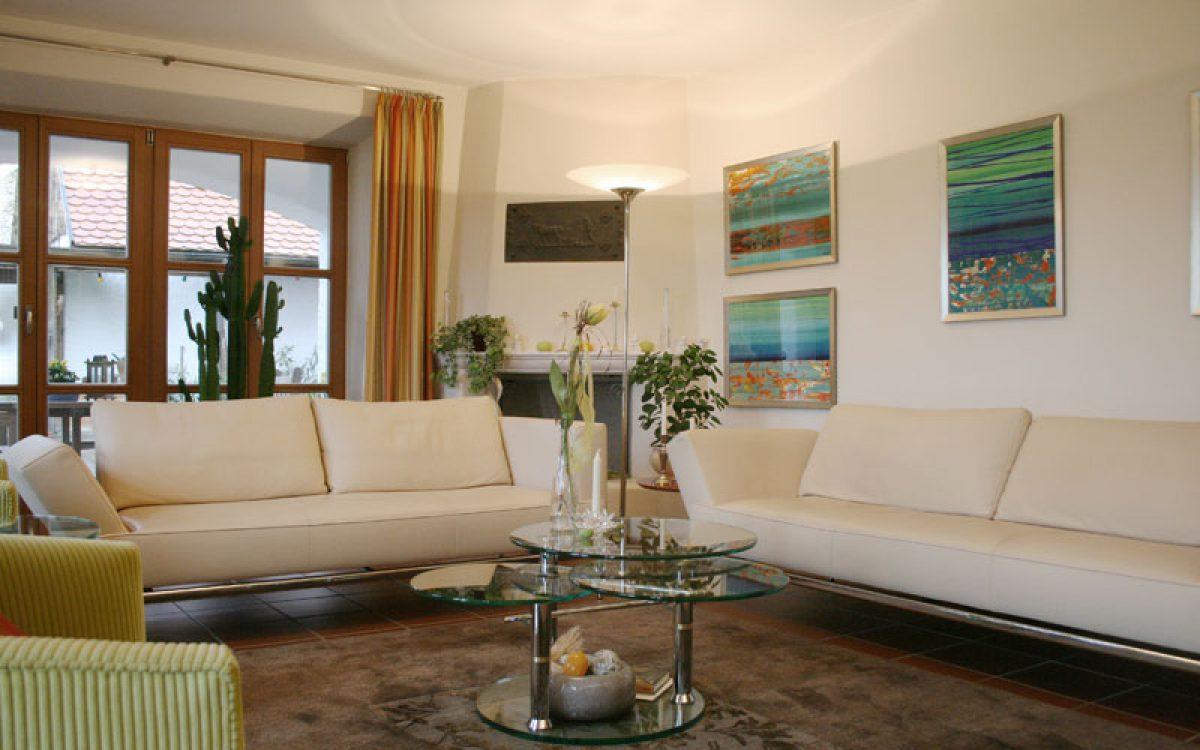 Renovierung Wohnzimmer: Zwei Sofas von FSM