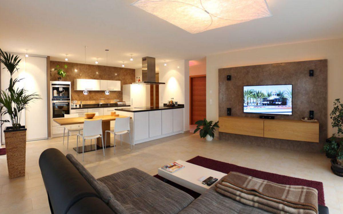 Innenarchitektur Privatwohnung: Wohnzimmer mit offener Küche